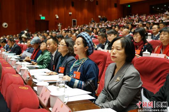 中国人民政治协商会议第十二届贵州省委员会第三次会议在贵阳开幕。中新社记者 瞿宏伦 摄