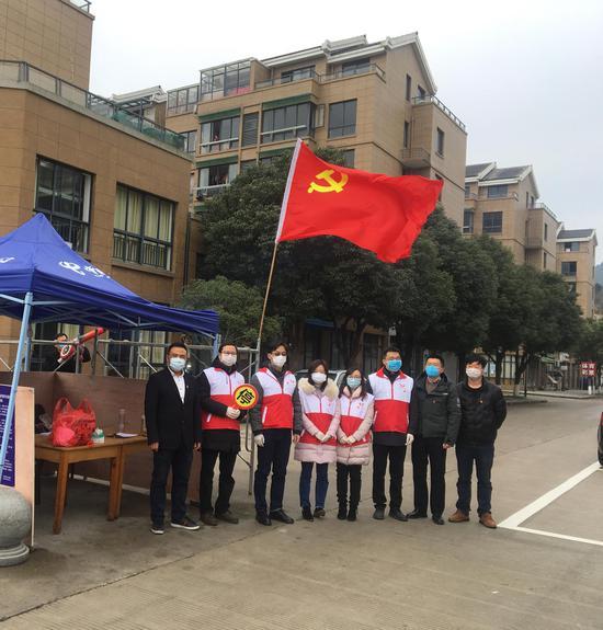 图为宁波一小区疫情防控现场。宁波鄞州提供