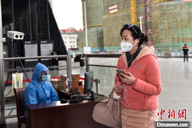 廣西鐵路返程客流回升 火車站啟用紅外熱成像測量體溫