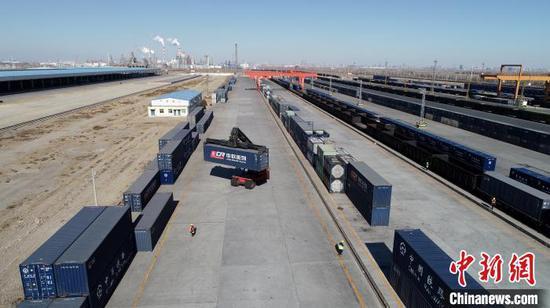 中鐵蘭州局銀川貨運中心發往武漢物資累計達7.53萬噸