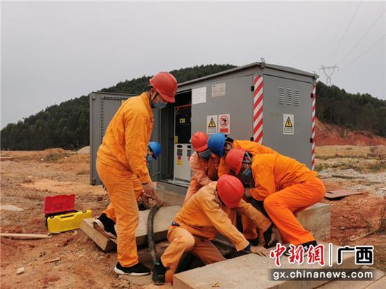 http://image.cns.com.cn/xinjiang_editor/transform/20200225/E9Y2-fztvikf7000797.jpg
