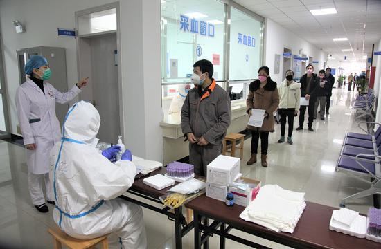 返崗員工分時間、分批次進行有序體檢。
