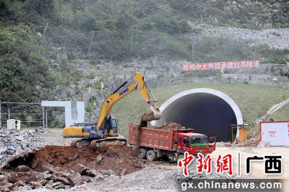 广西融安完成桂柳高速征地和交地任务 预计明年6月底通车