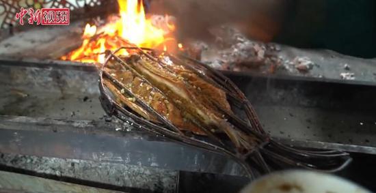 和田夜市恢复往日热闹 特色美食每天销售一空