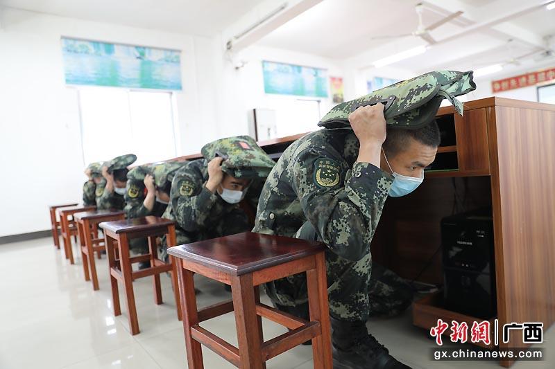 武警广西总队钦州支队开展安全教育云课堂助力安全教育日