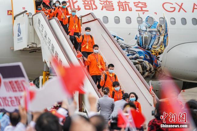 广西最后两批支援湖北医疗队抵达南宁
