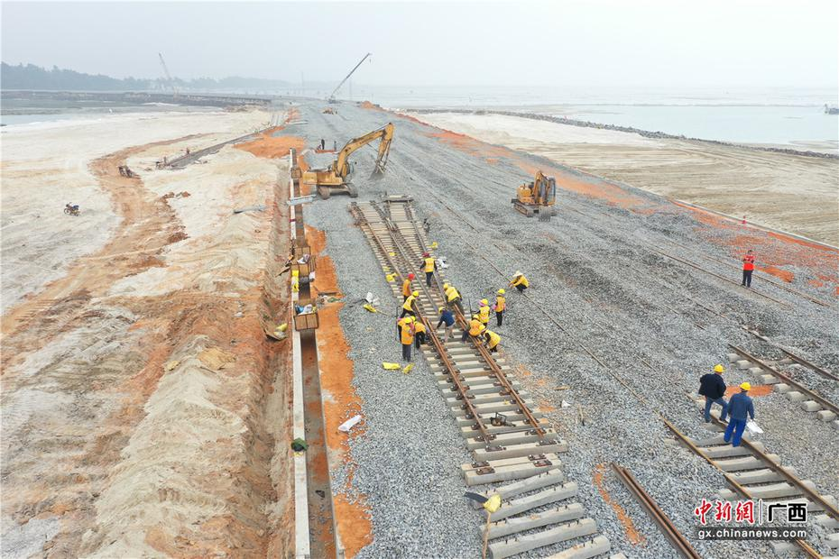 航拍廣西北海鐵山港1-4號泊位進港鐵路專用線