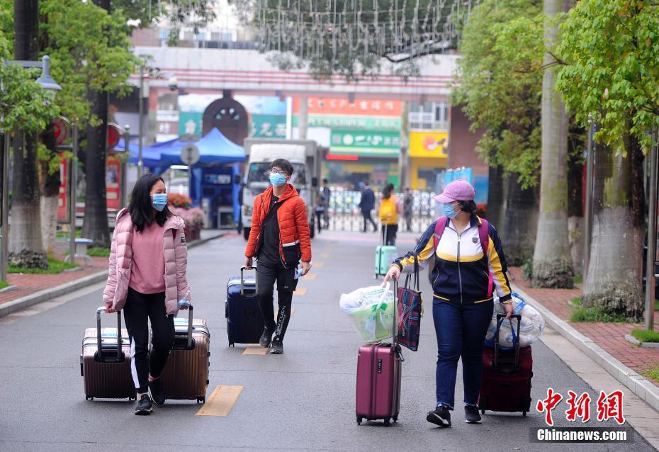 广西高三年级学生返校 准备开学