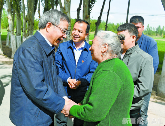 胡春华在南疆调研督战脱贫攻坚工作
