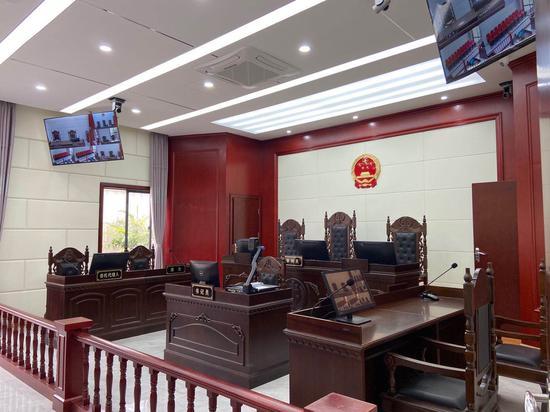 蘭亭人民法庭(旅游巡回法庭)內的審判法庭。  項菁 攝
