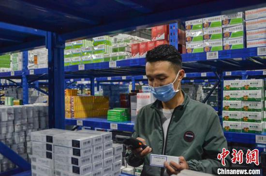 新疆阿克蘇藥品集散中心:讓民眾用藥買得起、用得上、用得好
