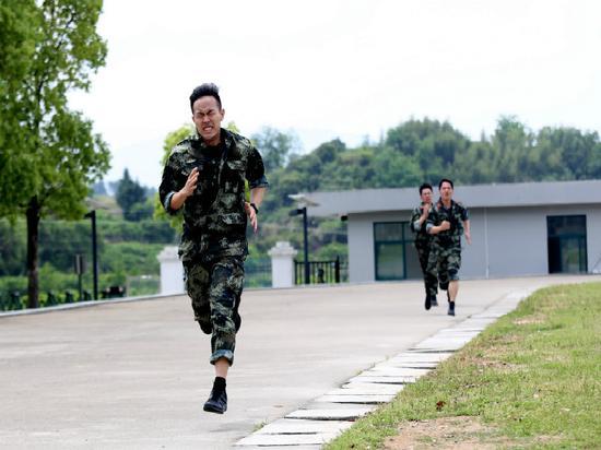1000米跑考核  刘治乾 摄