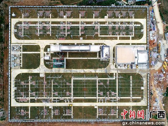 南方电网广西柳州供电局220千伏贝江变电站建成投运。滚旭辉  摄