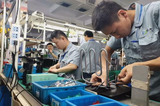 寧波余姚企業(ye)生產忙 內外銷並重訂單逆勢增