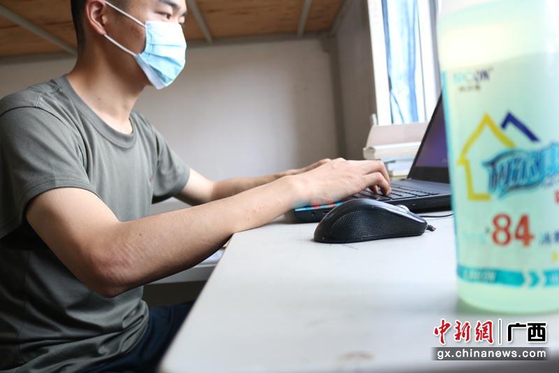 空降兵桂林某部组织学员正式开展复课防疫工作