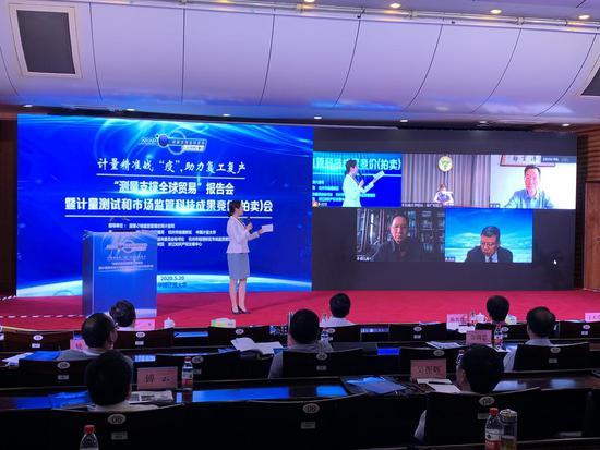 作为浙江省科技大市场的一个创新尝试,由浙江省科技厅推动的浙江省科技成果拍卖会以不断创新发展的步伐走过了8个年头。 胡亦心摄