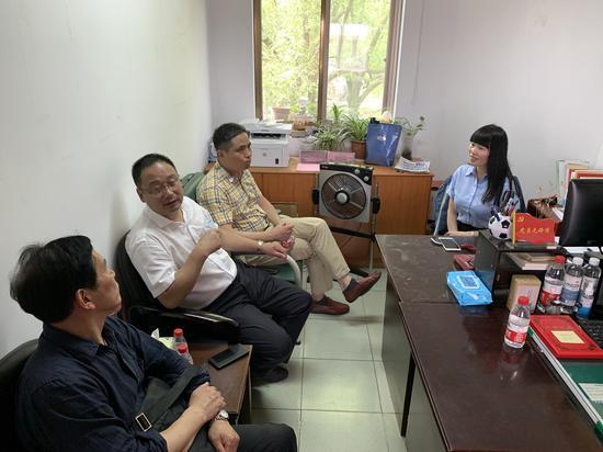 兰亭书会在东方社区开展社区文化需求座谈。  兰亭书会供图