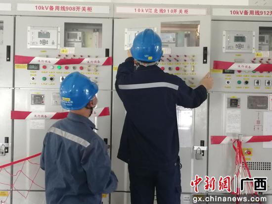 广西鹿寨实施农网升级 让贫困群众用上放心电