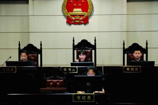 浙江举办环境公益诉讼模拟法庭。  朱智翔 供图