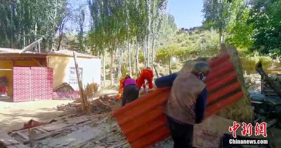 新疆于田县发生6.4级地震 多支救援力量抵达震中