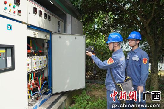 南方电网广西柳州柳城供电局为高考保电护航
