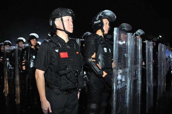 """钱塘新区警方""""平安夏季护航行动""""仪式现场。 钱塘新区警方 供图"""