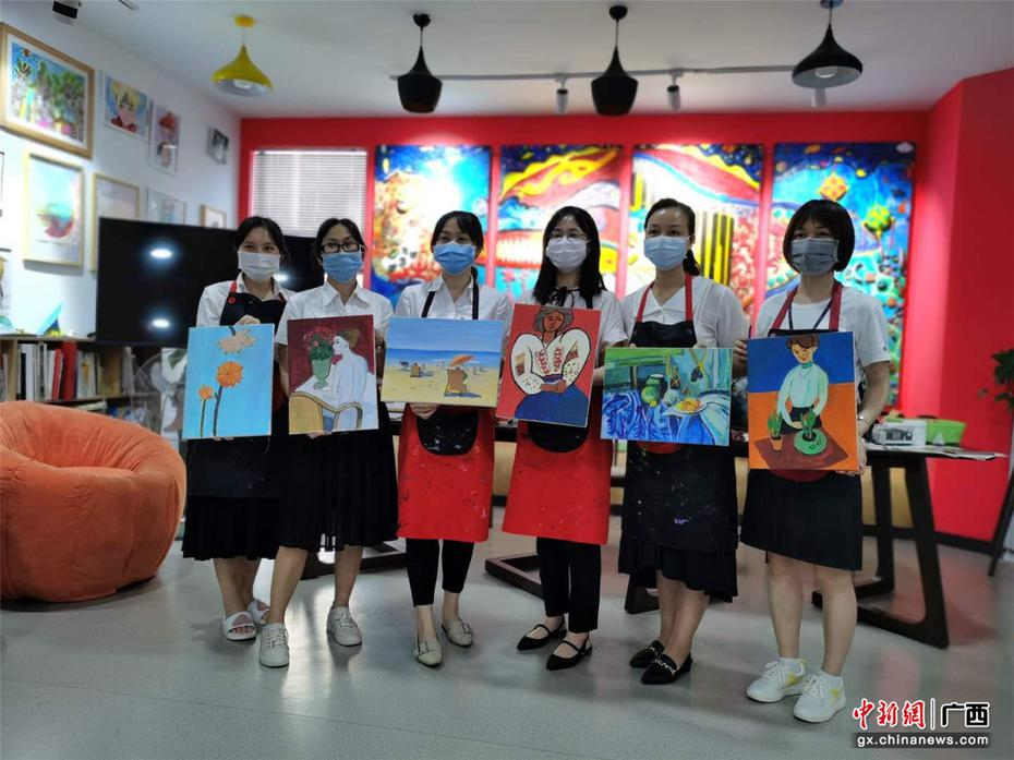 南方電網超高壓公司南寧監控中心開展女職工繪畫活動