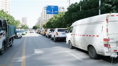 银川这些道路标线施划合理吗?市民提出建议 交警着手整改