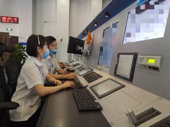新疆空管局空管中心区域管制中心19级见习管制员备考侧记