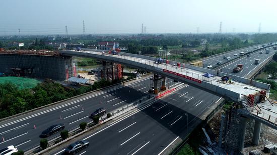 上跨沪杭高速的骑塘枢纽。sunbet省交通集团杭绍甬公司供图