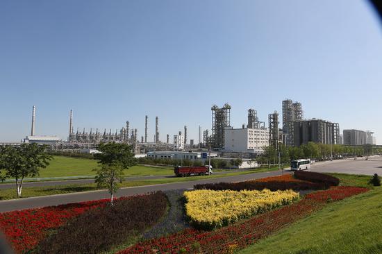 独山子石化公司厂区容貌。吾布力 摄