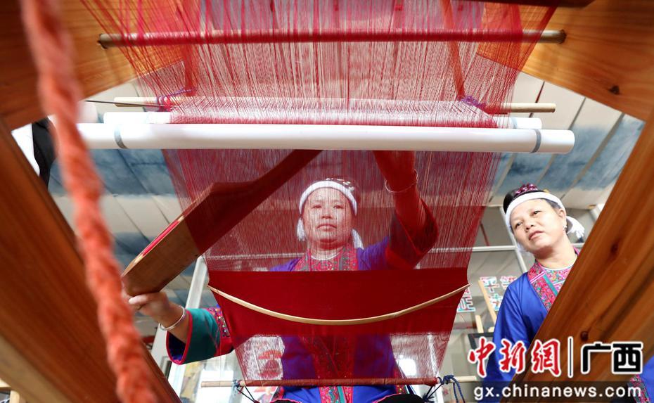 织锦技艺培训帮助三江绣娘灵活就业