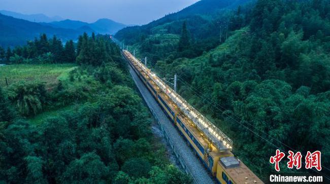 焦柳铁路广西段电气化改造 助推北部湾港运力