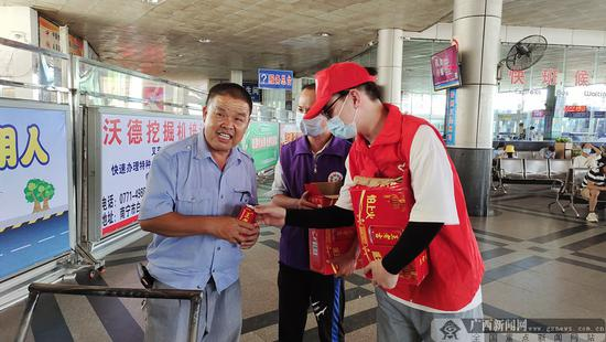 助力创城:南宁青年志愿者开展系列志愿活动