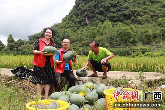 桂林移動愛心助農 2小時銷出西瓜900斤