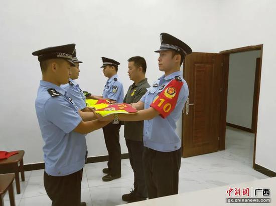 """梧州龙圩警方推行""""五小练兵法""""争当基层标杆"""