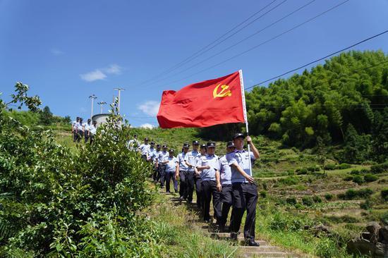 丽水市公安局开展主题党日活动。 朱晋葶 摄