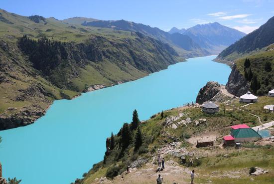 新疆昭苏:神奇的玉湖