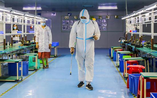 喀什:严格落实疫」情防控工作 做到生产防疫两不误