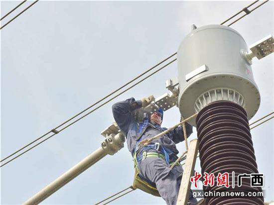 广西崇左:抓紧变电检修确保安全供电