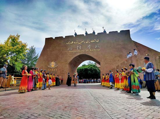 新疆喀什古城景区和香妃园景区全面开门迎客