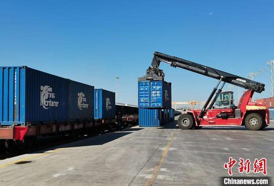 乌鲁木齐国际陆港区已开行中欧班列3700余列(图)