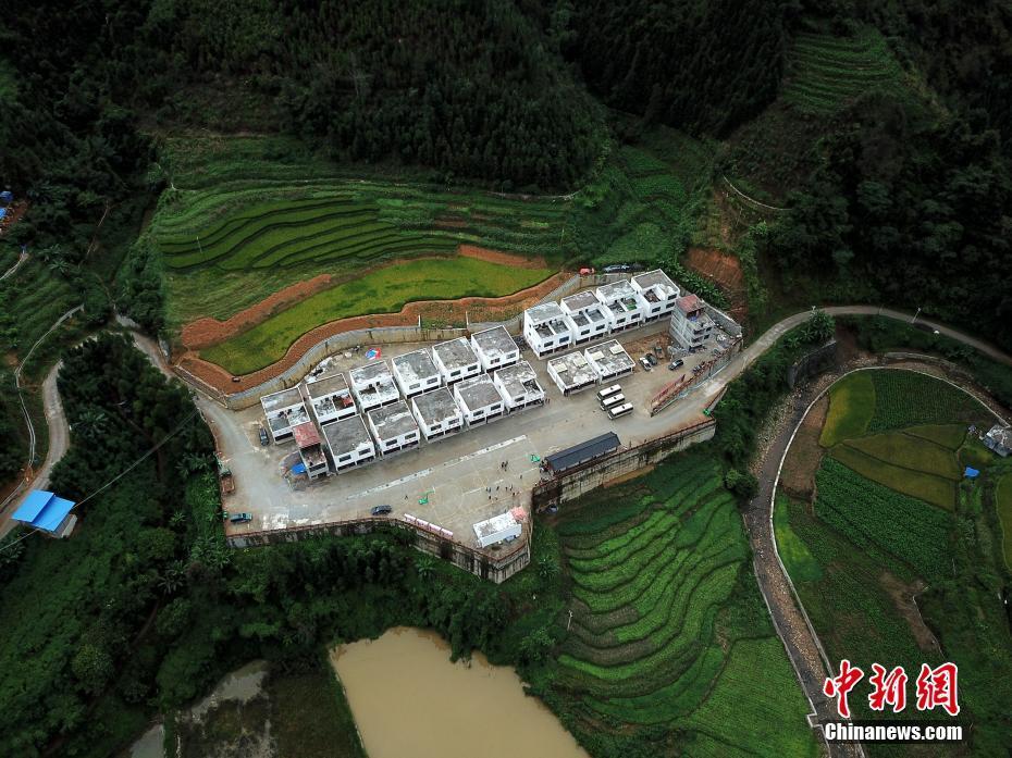 广西那坡:散居瑶族同胞搬出深山入新房