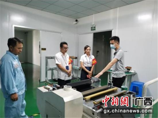 """广西宁明供电公司优化企业营商环境当好""""电参谋"""""""