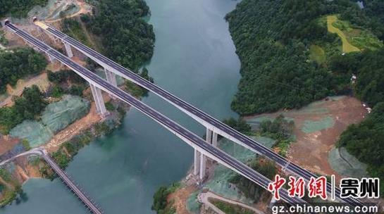 贵州剑河:剑榕高速建成跨度200米单跨刚构桥