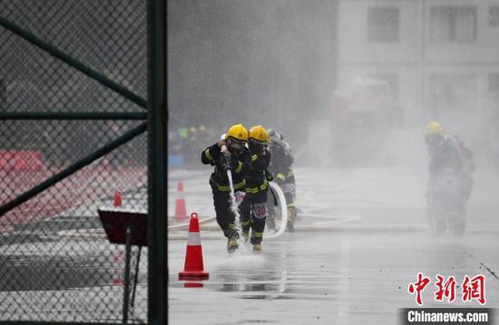贵州省举办2020年消防救援队伍全员岗位练兵比武竞赛