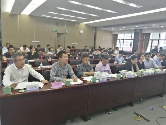 """2020亚星集团省开发区产业链""""链长制""""试点评审会现场。 王迎 摄"""