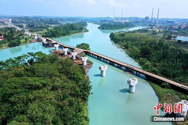 印尼雅万高铁建设取得突破性进展