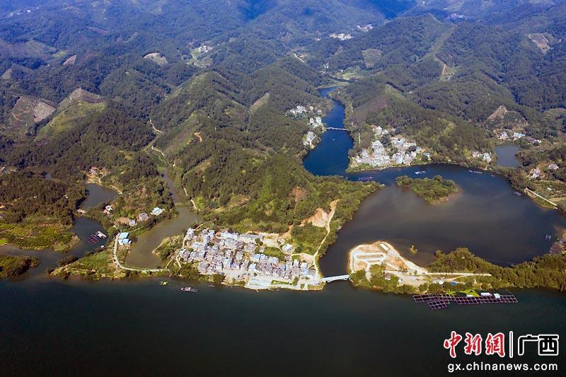 梧州乡村山水相依风光旖旎美如画