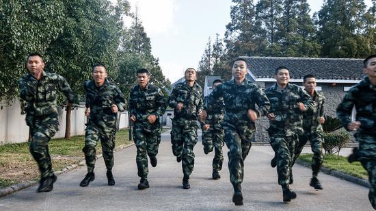 新兵训练现场。 武警绍兴支队供图